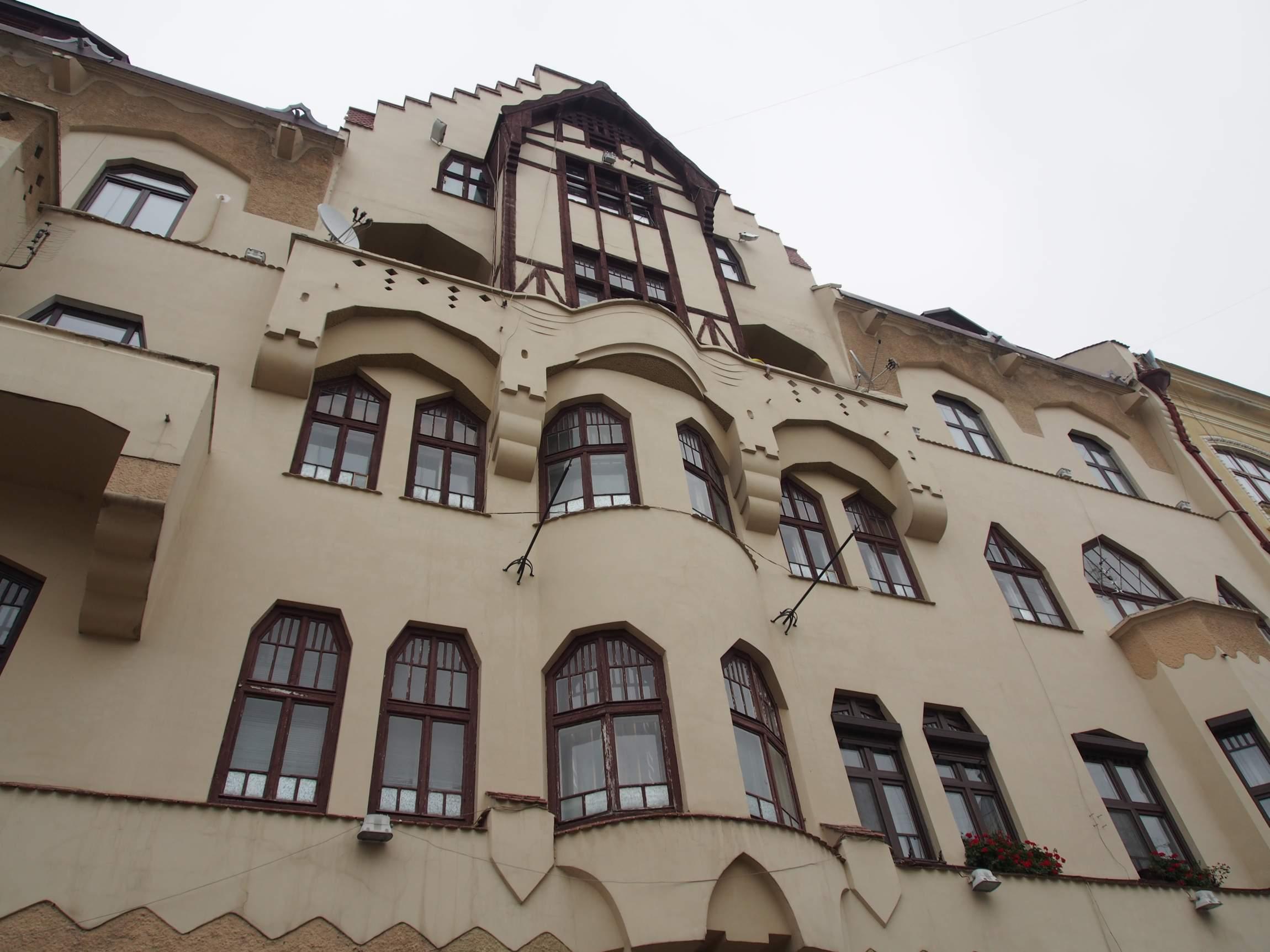 Front des Deutschen Vereinshauses in Czernowitz.