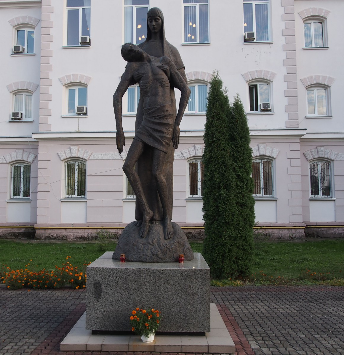 Statu Stryj breit